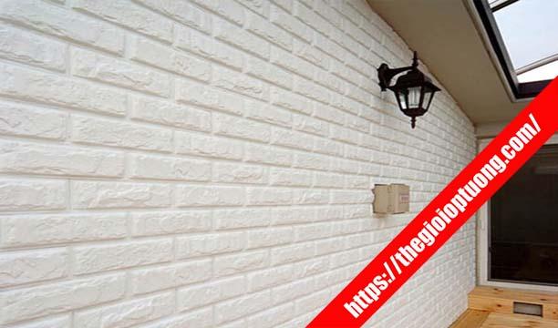 Xốp dán tường ngoài trời được không? Mua xốp tường 3D gạch gỗ