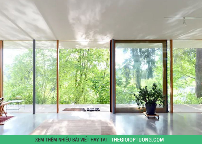 Ngôi nhà có không gian xanh mát ấn tượng trên sườn đồi