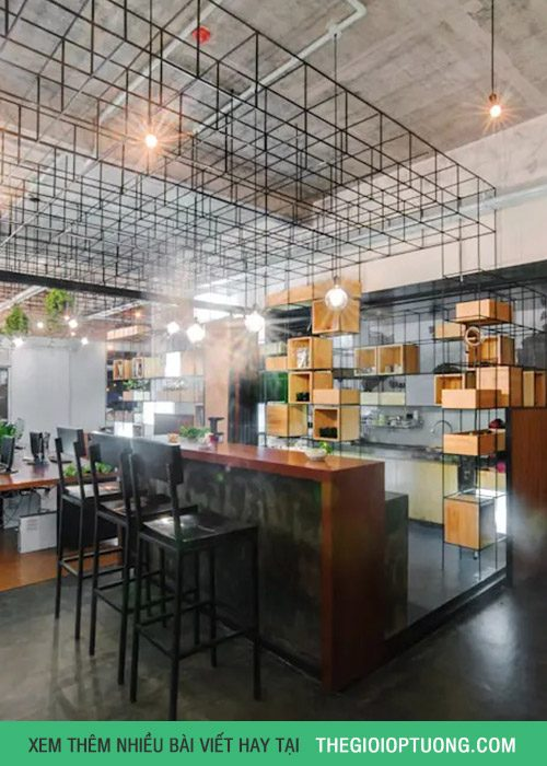 Trang trí quán cà phê đẹp với vật liệu sắt và hộp gỗ