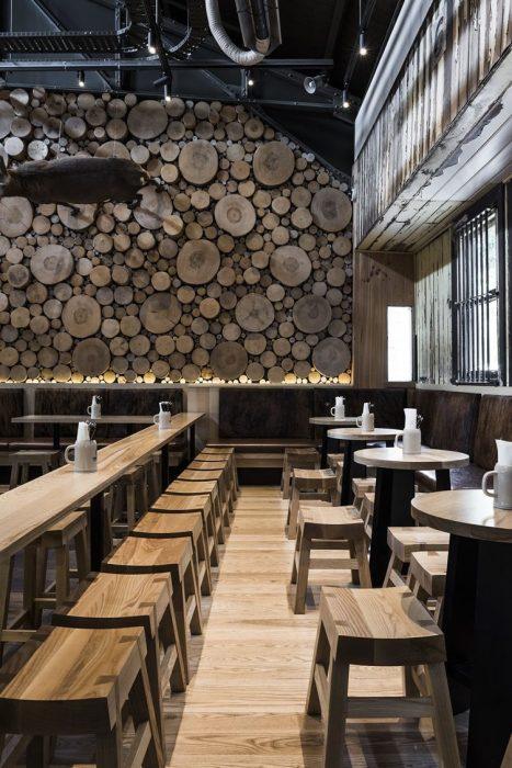 Hướng dẫn trang trí quán cafe đơn giản và tiết kiệm nhất, Phong cách trang trí quán cafe xưa được yêu thích hiện nay