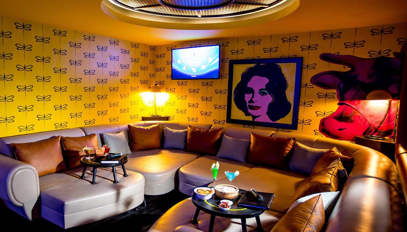 Cách trang trí quán cafe karaoke đẹp sang trọng mà ít tốn kém