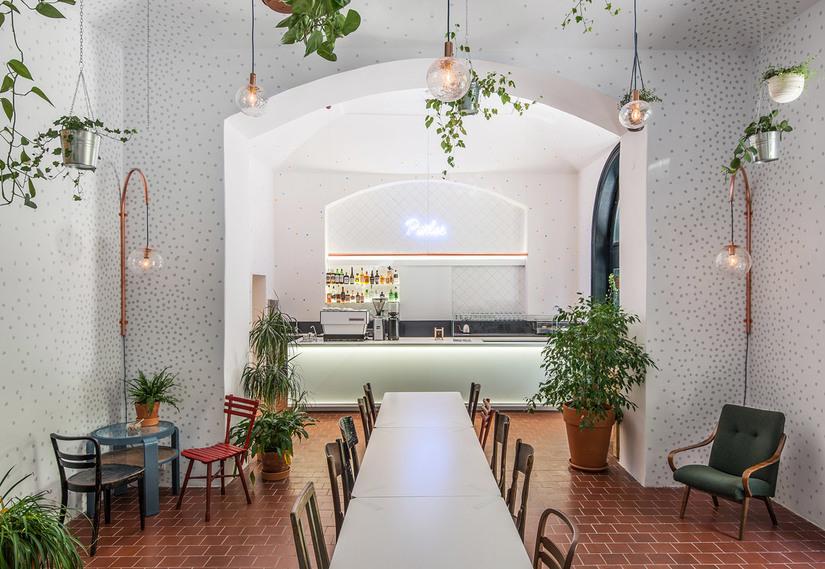 Mẫu trang trí quán cafe thịnh hành được nhiều người ưa chuộng
