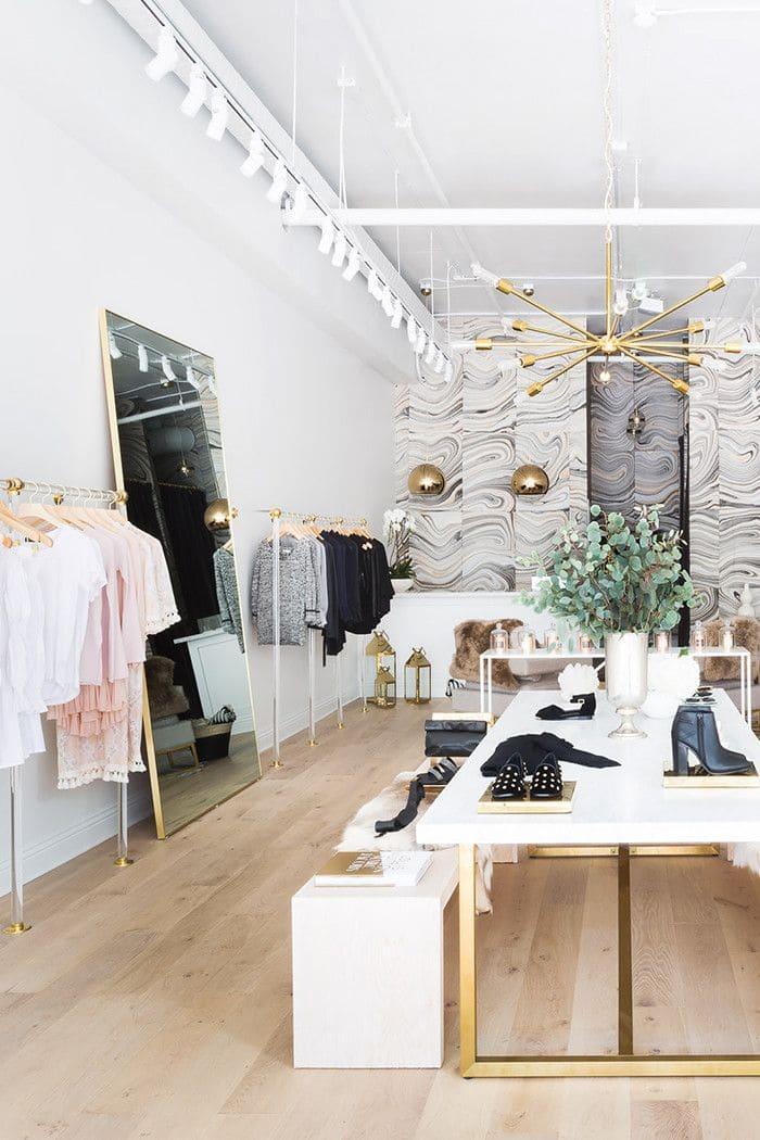Các mẫu giấy dán tường cửa hàng thời trang, shop quần áo