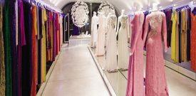 Mẫu trang trí cửa hàng áo dài đẹp đơn giản nhưng vẫn sang trọng