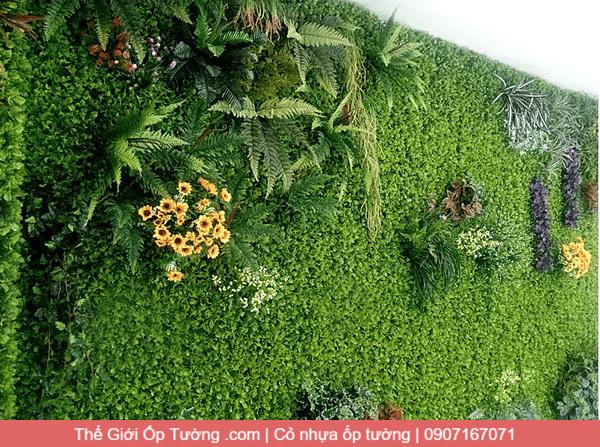 Cỏ nhựa dán tường trang trí, cửa hàng bán cỏ nhựa ốp tường